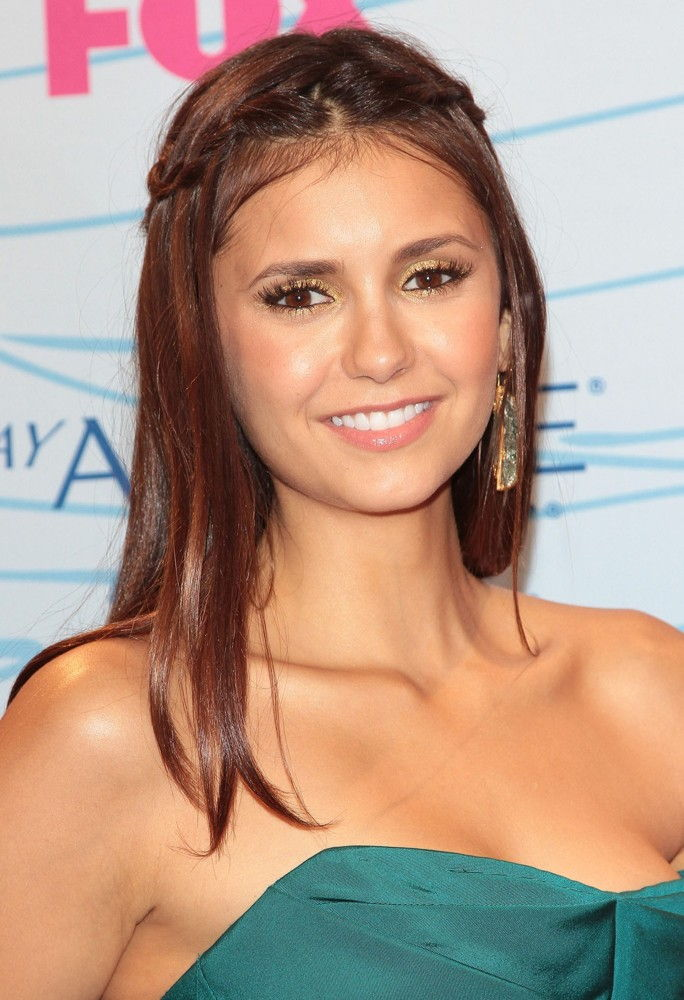 Nina Dobrev Bra Size, Age, Weight, Height, Measurements ...